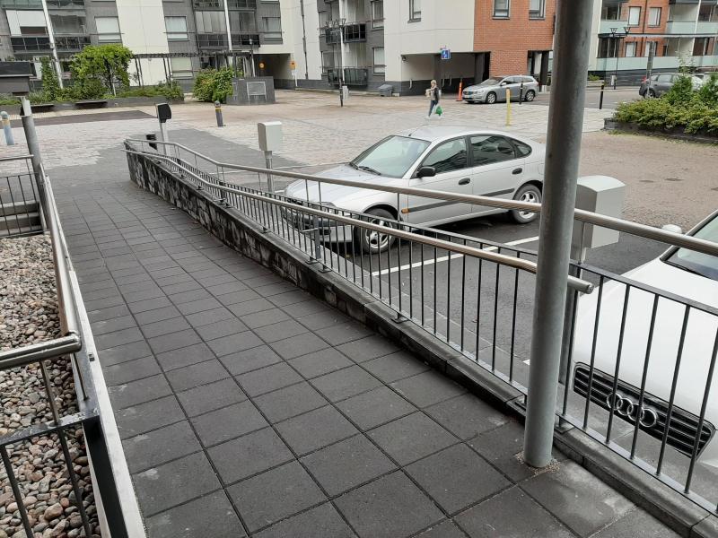 Sisääntulokatokset ja kaiteet Mallasheikki Lahti_3 - Edited